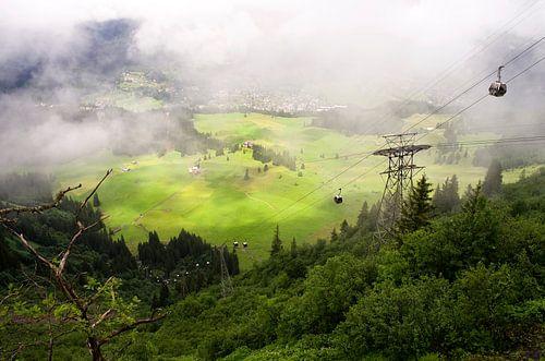 Alpen in den Wolken von Vincent van Kooten
