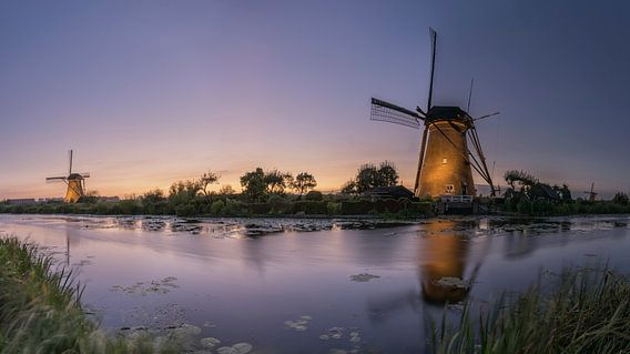 Panorama verlicht Kinderdijk
