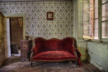Canapé rouge sur Anne Van Gils