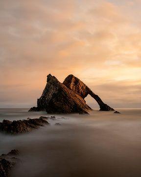 Bow Fiddle Rock in het Noorden van Schotland van Jos Pannekoek