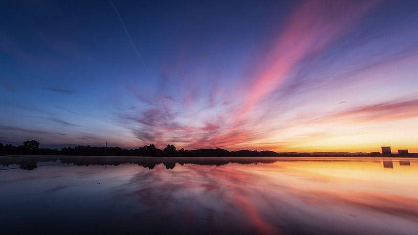Kleurrijke zonsopkomst #2 van Lex Schulte