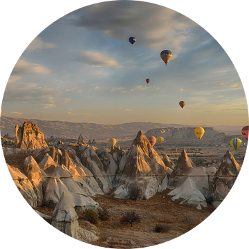 Luchtballonnen boven Cappadocië van Ruud Bakker