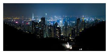 Hong Kong skyline 's avonds sur Robin Hartog