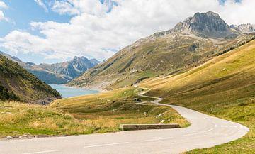 Straße durch die französischen Alpen von Mark den Boer