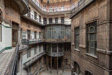 Budapest Innenhof Architektur von Matthis Rumhipstern