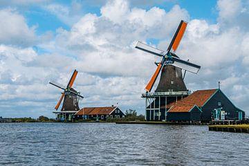 Typische Nederlandse molens bij de Zaanse Schans van mitevisuals