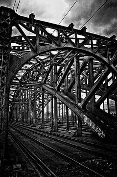 Stahl-Eisenbahnbrücke Eingang von Jan Brons