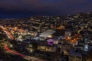 Amman bei Nacht von Mark Lenoire