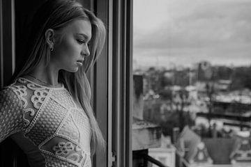 Model Natalia Portret 3 - Zwart Wit. van Photo Shoots
