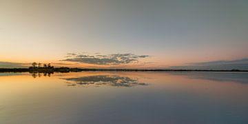 De Sondeler Leijen in Gaasterland, Friesland, in zonsondergangkleuren