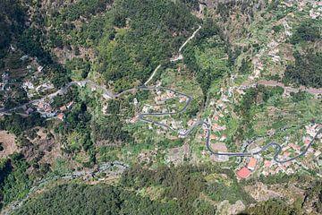 eine Stadt, die von oben fotografiert wurde von Robin van Maanen