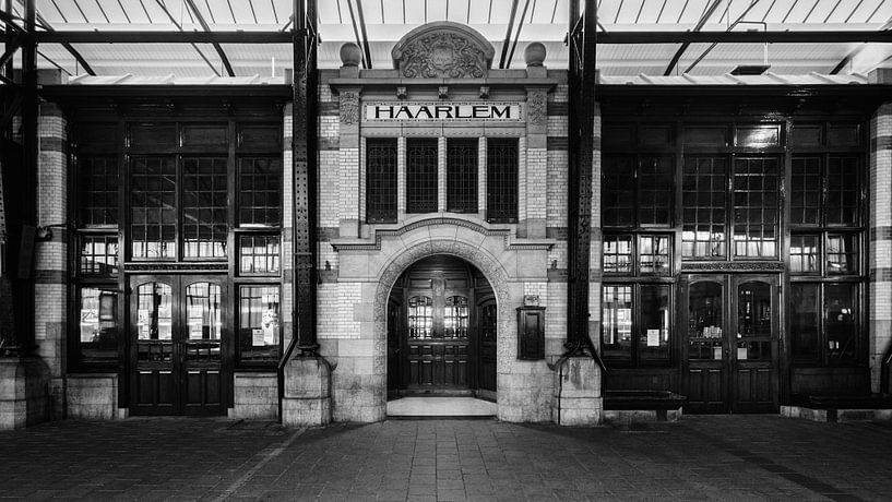 Haarlem: Station Restaurant entree 2 von Olaf Kramer