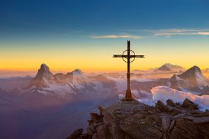 Matterhorn en Mont Blanc zonsondergang