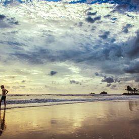 Kai Bae Beach Reflectie, Koh Chang, Thailand van Sven Wildschut