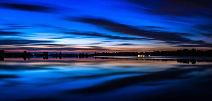 The Blue Hour van Robin Bulters