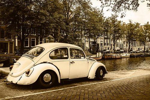 Oude Volkswagen Kever in Amsterdam van
