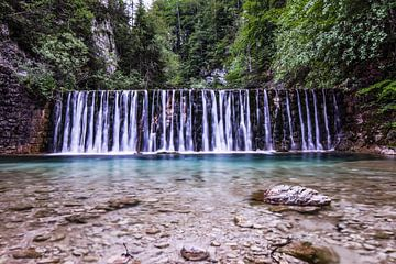 Wasserfall von Julia Schellig