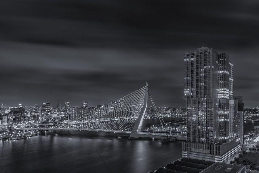Manhattan @ the Maas - Rotterdam Skyline (2) van Tux Photography