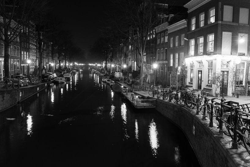 Nachtelijk Amsterdam - 2 van Damien Franscoise
