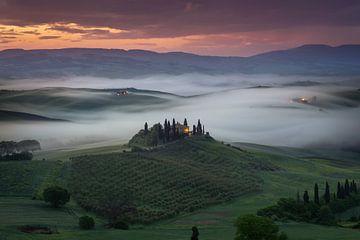 Zonsopkomst in Toscane von Edwin Mooijaart