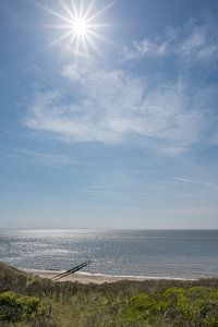 Strand bij de kaapduinen in Dishoek van John van de Gazelle