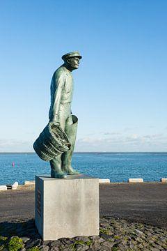 Standbeeld Mosselman in Yerseke van Ruud Morijn
