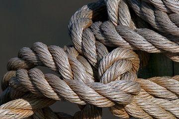 Knoop in touw van Jos Verhoeven