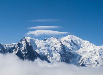 Lenswolken Boven De Mont Blanc