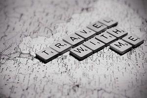 Travel with me, reizen foto print scrabble letter voor aan de muur