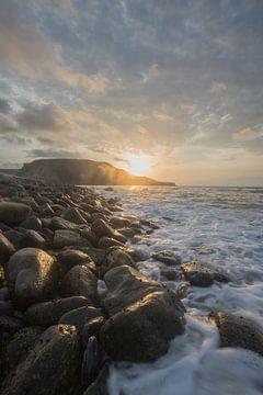 Afrikanischer Sonnenuntergang am Meer von Marijn Goud