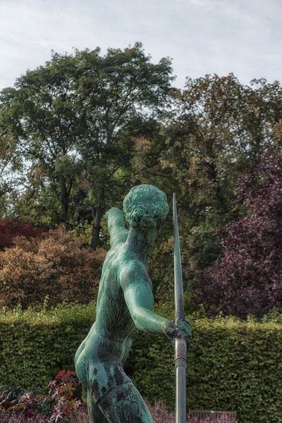 Speerwerferin - Bronzefigur von Petra Dreiling-Schewe