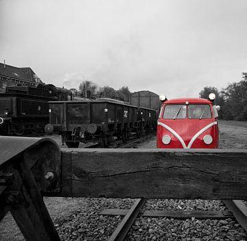 Omgebouwde Kever op het spoor in Simpelveld