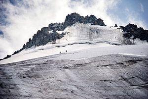 Grimpeurs en route vers le sommet de Grand Montets sur Febe Waasdorp