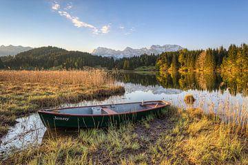 Berg-idylle aan de Geroldsee in Beieren van Michael Valjak