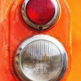 Koplamp achterlicht van een trein van Jan Brons