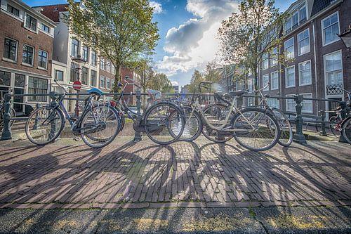 Shadows in Amsterdam van Amsterdam Fotografie (Peter Bartelings)