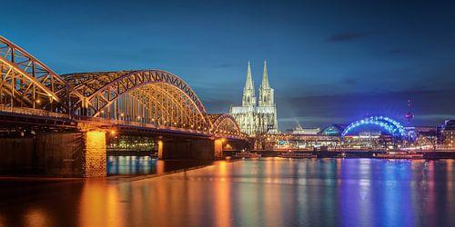 Night in Cologne Panorama van Michael Valjak