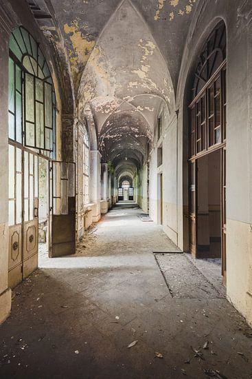 Korridor mit Farbe und Tiefe