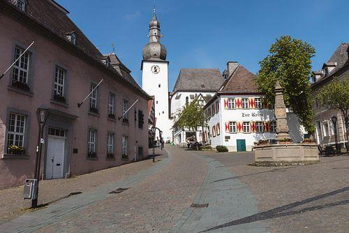 Een dorpsplein in een Duits dorp.