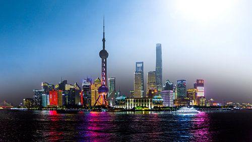 Shanghai bij dag en nacht