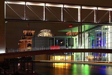 De Berlijnse regeringswijk 's nachts