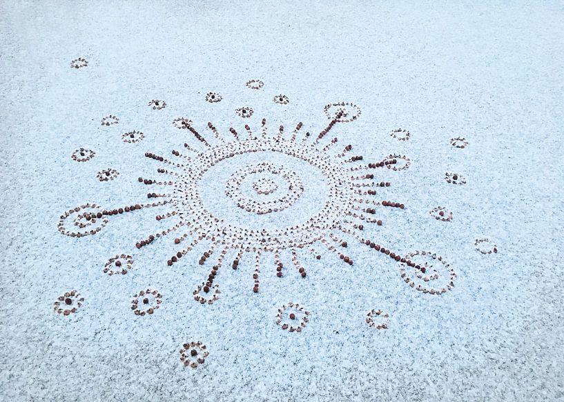 Solarsystem bedenkt met sneeuw van Mies Heerma