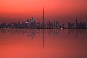 Dubai Skyline Reflexion mit Burj Dubai von Jean Claude Castor