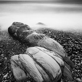 Rots op strand Imachar, Arran van Johan Zwarthoed