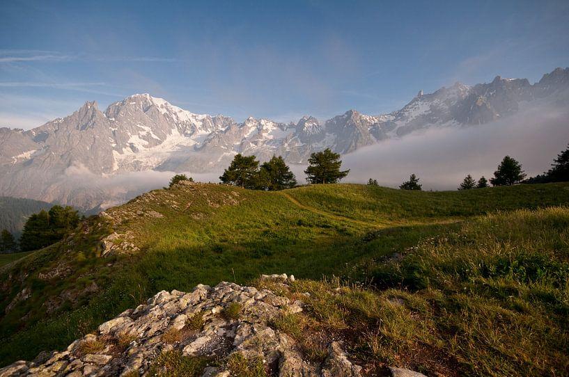 Daybreak in the Italian Alps van Damien Franscoise