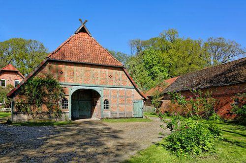 Traditional Farmhouse van Gisela Scheffbuch
