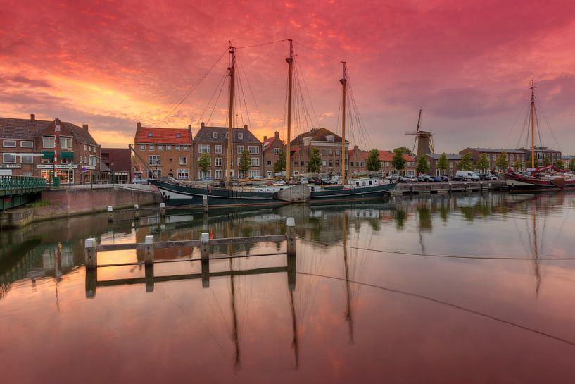 Zonsondergang in oude haven Hellevoetsluis van Rob Kints