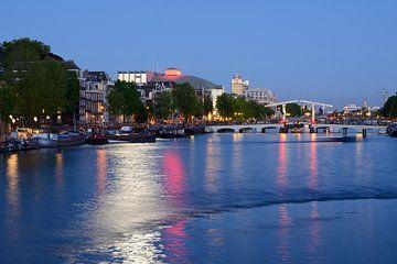 Amstel in Amsterdam met Magere Brug von Merijn van der Vliet