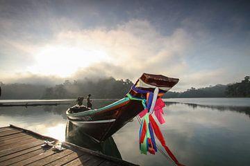 Sonnenaufgang in Khao Sok von Levent Weber
