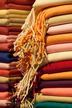 Kleurrijke doeken op de markt von